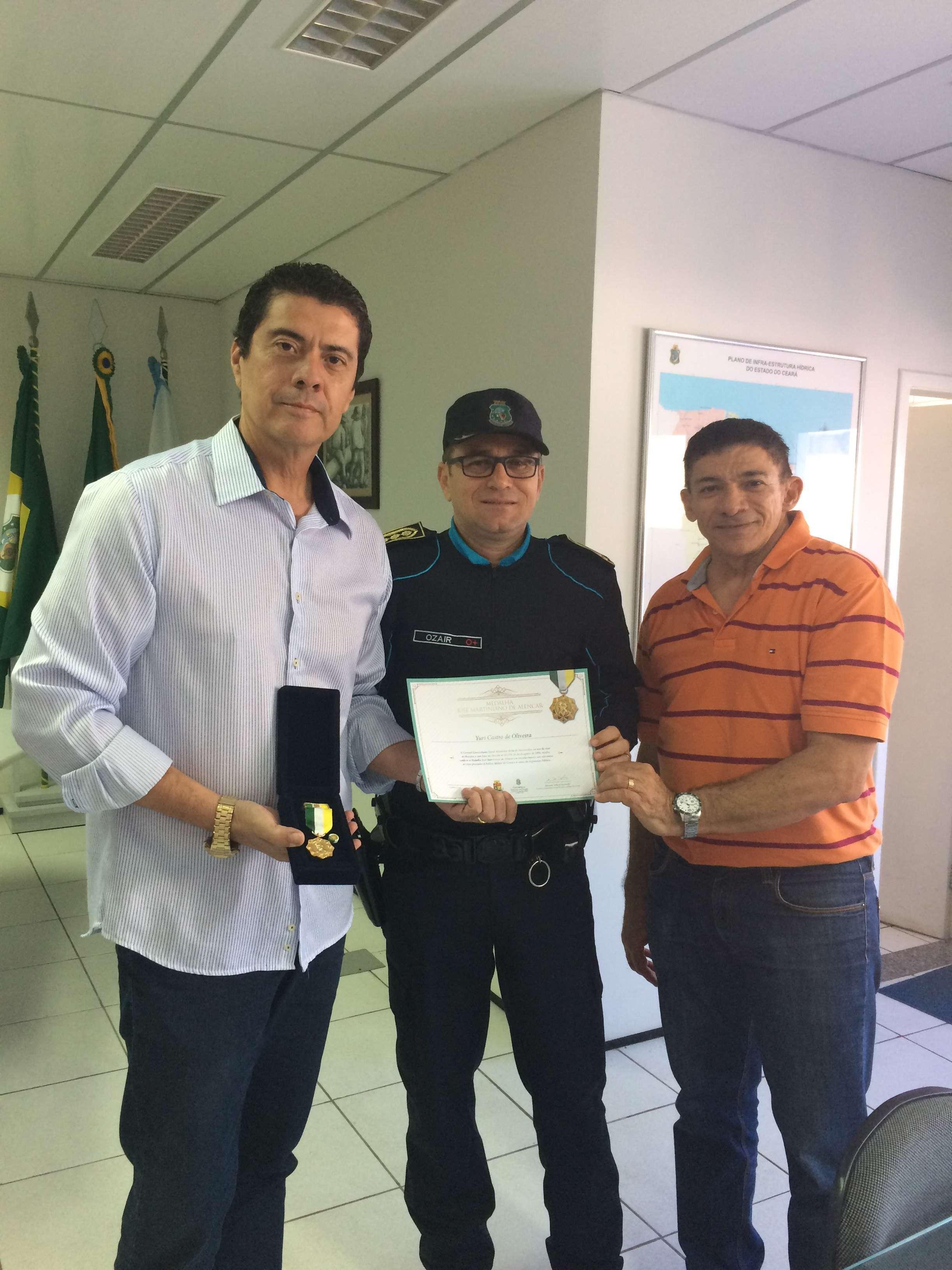 O Superintendente da SOHIDRA recebeu do Subcomandante Geral da Polícia Militar do Ceará